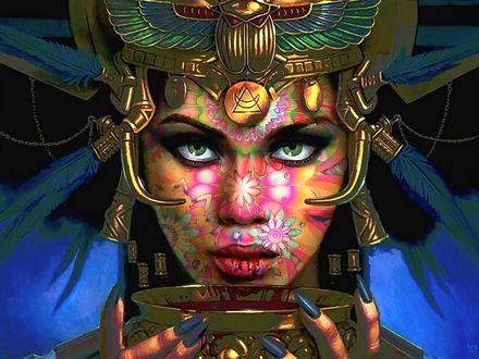 Обои Девушка жрица в роскошном головном уборе, с разрисованным цветами лицом, с измазанными кровью губами, держит у губ жертвенную золотую чашу с кровью