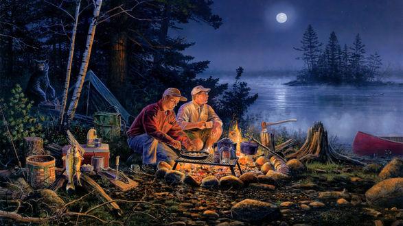 Обои Двое мужчин-рыбаков готовят ужин на костре у водоема поздним вечером в лесу, а у палатки в дали хозяйничает медведь