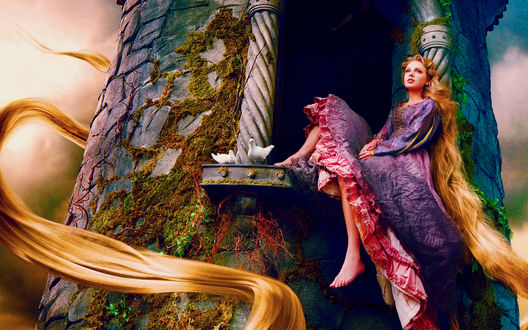 Обои Певица Taylor Swift / Тейлор Свифт с длинными светлыми волосами в образе Рапунцель, сидит в окне башни, возле нее два белых голубя