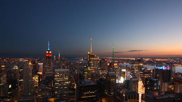 Обои Огни ночного города на фоне неба