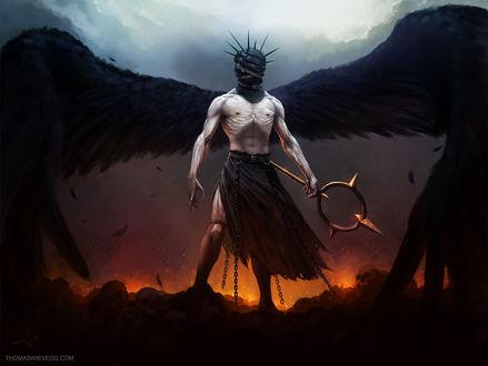 Обои Мужчина падший ангел с черными крыльями, перевязанной шипами и ремнем головой, в цепях и с оружием в руке стоит на фоне огня и дыма, by thomaswievegg