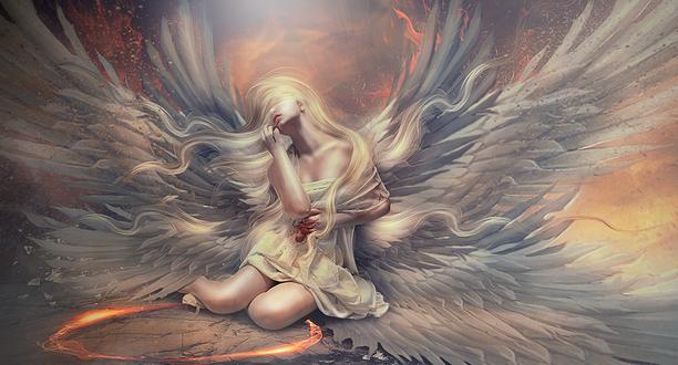 Обои Белокурая девушка-ангел с кровоточащей раной на животе