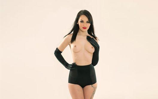 Обои Модель Melissa Clark / Мелисса Кларк демонстрирует грудь
