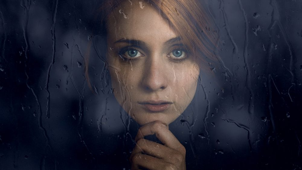 Картинки по запросу девушка стекло дождь