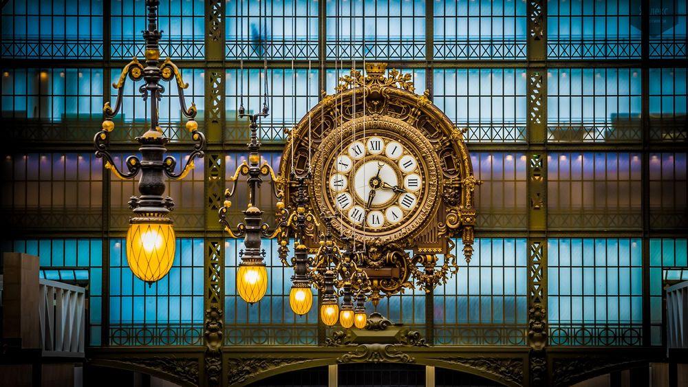 Обои для рабочего стола Большие часы в парижском музее Opce Париж Франция