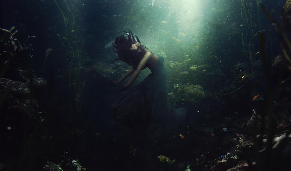 Обои Тон��ая дев��ка под водой bygedogfx обои для