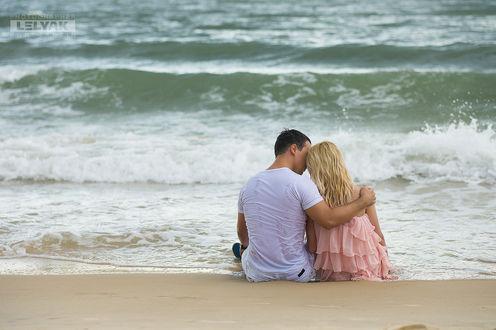 Влюбленная пара отлично отдохнула на море