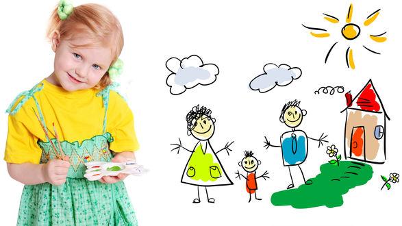 Обои Маленькая художница на фоне своего рисунка