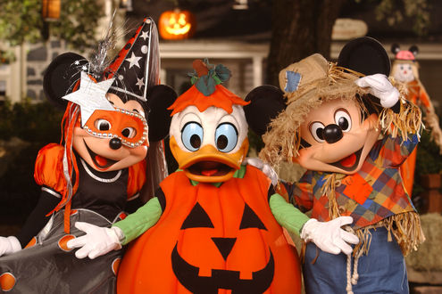 Обои Персонажи Диснейленда Микки Маус, Минни маус и Дональд, нарядились к Хеллоуину