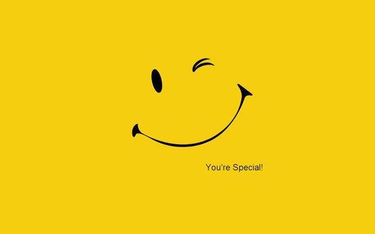 Обои Youre special / ты особенный, улыбка на желтом фоне