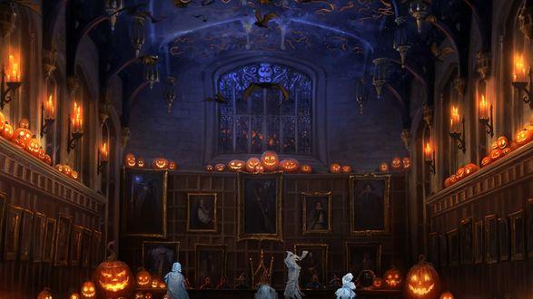 Обои Ночь Хеллоуина, призраки отмечают праздник в мрачном зале, на стенах портреты магов, горят свечи-тыквы, под потолком кружат летучие мыши