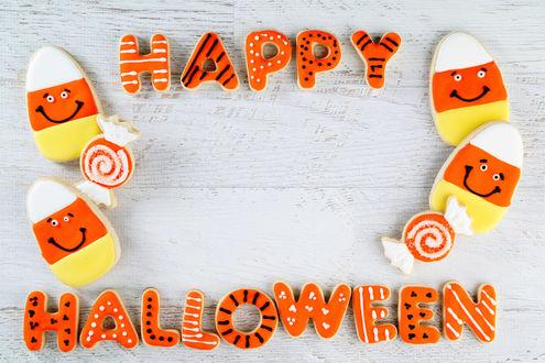 Обои Выложенная из печенек надпись Happy Halloween / Счастливого Хэллоуина