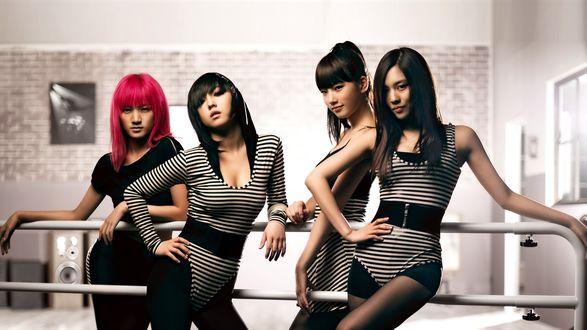 Обои Группа Miss-a, Fei, Jia, Min и Suzy, k-pop, азиатки позируют в полосатых комбидрессах, Южная Корея