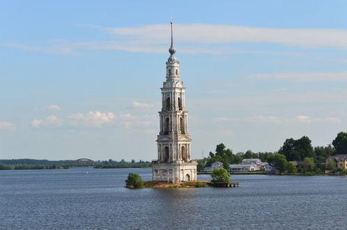 Обои Белая церковь на Московском канале
