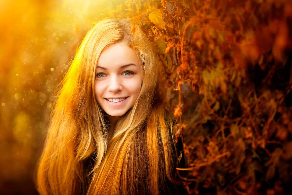 Красивая улыбка девушки фото обои