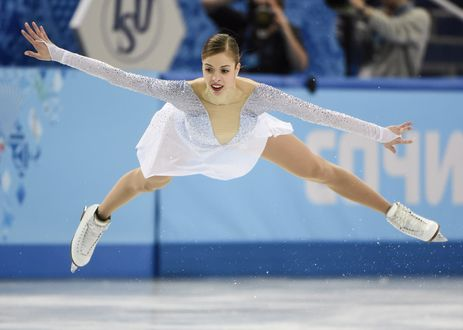 Обои Обладательница бронзовой медали в дисциплине фигурное катание на коньках Каролина Костнер на олимпиаде в Сочи