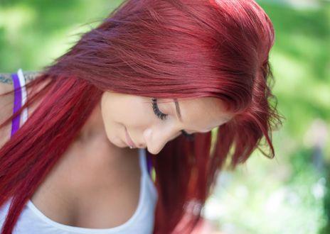 Обои Красивая девушка с рыжими волоами