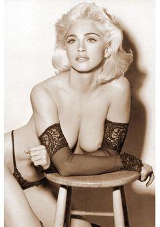 Обои Мадонна / Мадонна в нижнем белье