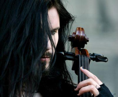 Обои Perttu Kivilaakso / Пертту Кивилааксо-финский виолончелист, играет в симфоник-метал-группе Apocalyptica