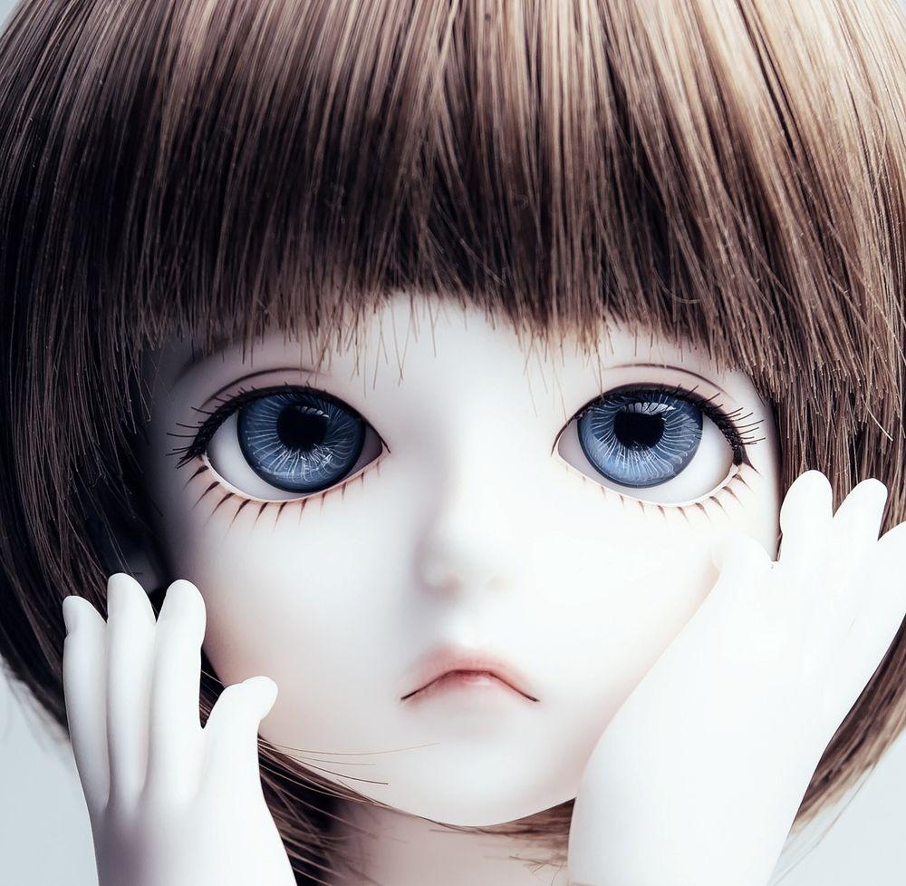 Картинка кукла с голубыми глазами