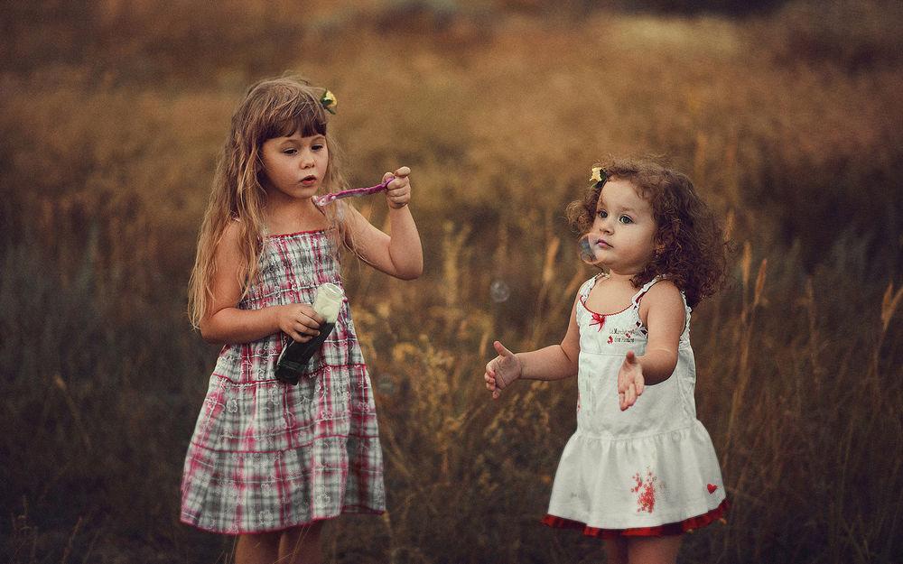 Доброго воскресного, картинки две девочки