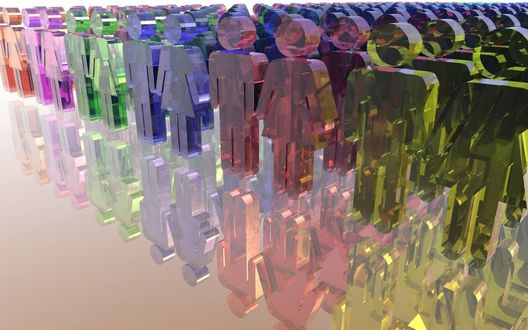 Обои Разноцветные стеклянные фигурки людей