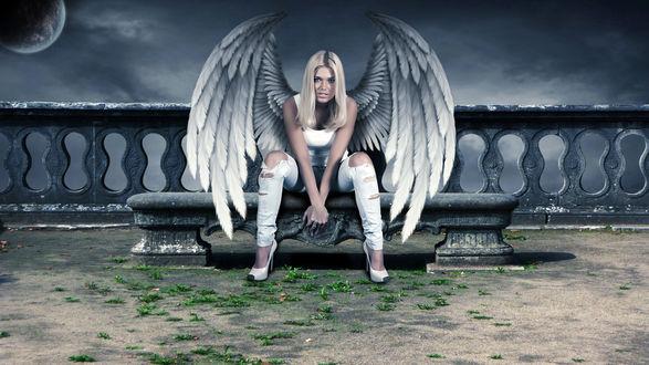 Обои Ангельская дива сидит на скамье