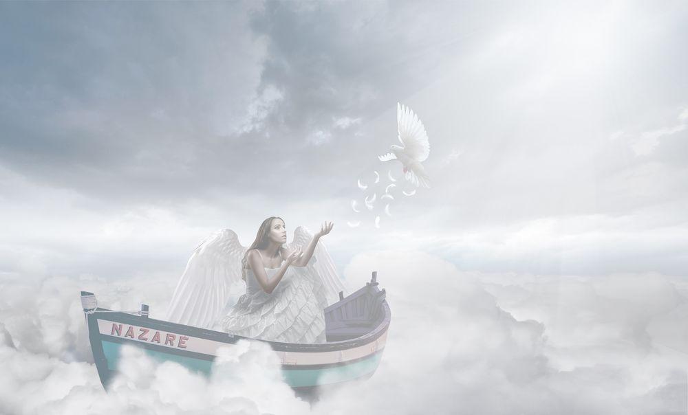 Обои для рабочего стола Девушка в лодке на облаках, ву Jackson Carvalho