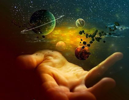 Обои Над рукой человека вращаются планеты, by SPRSPRsDigitalArt