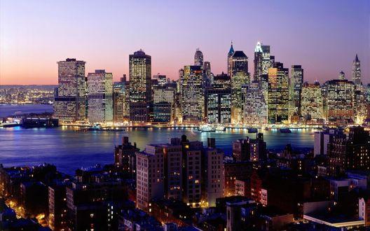 Обои Город Нью-Йорк / New York City на закате, небоскребы горят вечерними огнями