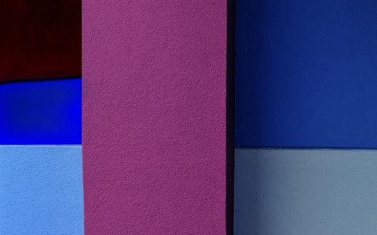 Обои Разноцветная стена, голубая, синяя и розовая