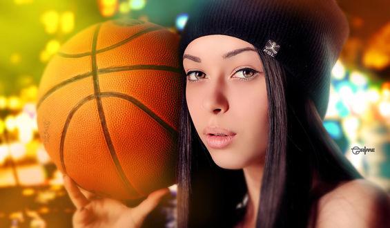 Обои Девушка в шапке держит баскетбольный мяч, alexander prime, photographer
