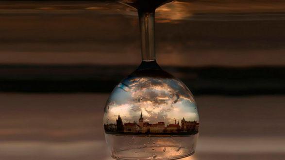 Обои Отражение Праги в перевернутом бокале / Sounds of Yesterday by ahermin
