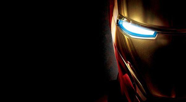 Обои Маска Железного человека / Iron Man на черном фоне