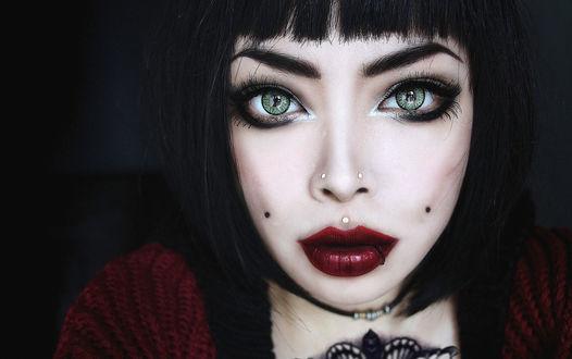 Обои Wylona Hayashi / Вилона Хаяши, красивая зеленоглазая девушка с пирсингом на лице