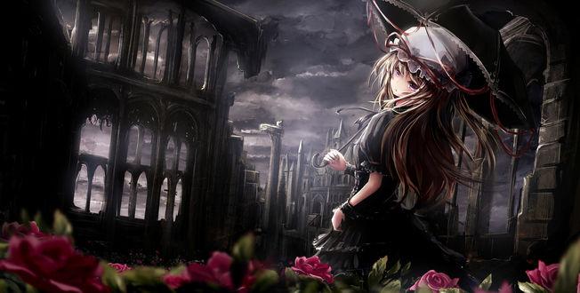 Обои Юкари Якумо / Yukari Yakumo с зонтом гуляет ночью по развалинам города, среди роз, из игры Проект Восток / Тохо / Touhou Project