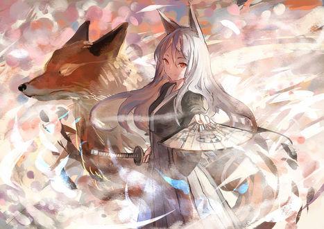 Обои Девушка-лисичка, в одной руке держащая веер, другой рукой придерживающая катану, и огненная лисица среди вихря