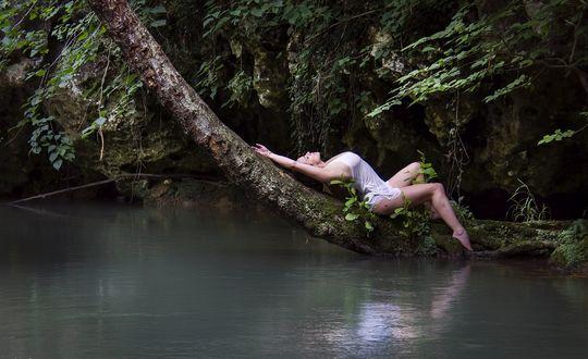 Фотографии голых людей на природе нужные