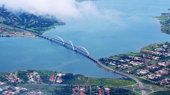 Обои Вид на мост Juscelino Kubicheka через озеро Параноа / Paranoa, Бразилия