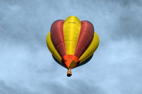 Обои Воздушный шар в небе, эффектное зрелище
