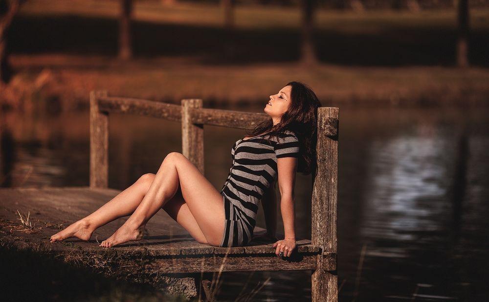 erotika-foto-zhenshina-sidit-na-litse