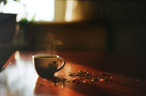 Обои Чашка с горячим чаем на столе, by TanjaMoss