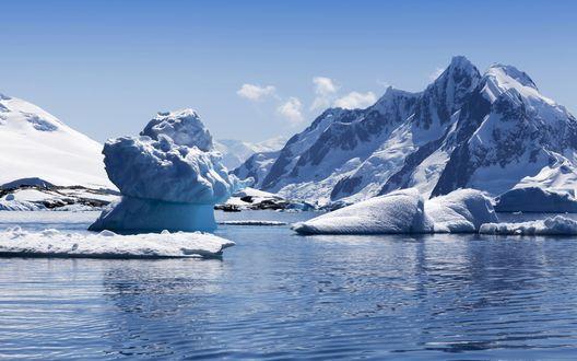 Обои Снежные горы и айсберги, в холодном северном море