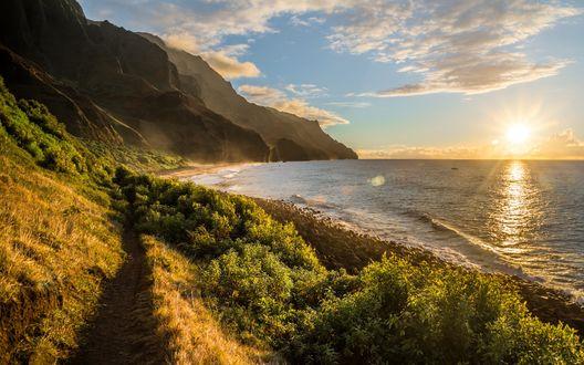 Обои Гавайи, рассвет над скалистым побережьем моря
