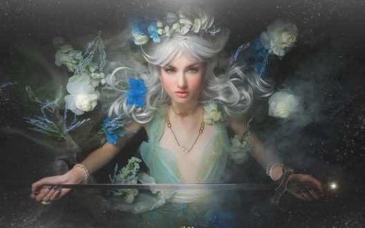 Обои Блондинка в окружении белых и синих цветов на темном фоне с мечом в руках