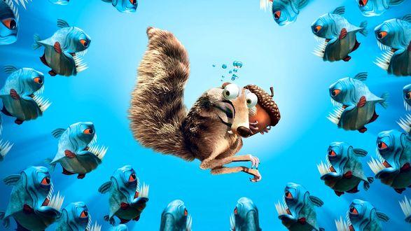 Обои Scrat / Скрэт, саблезубая крысобелка из мультфильма Ледниковый период окружена стаей хищных рыбок