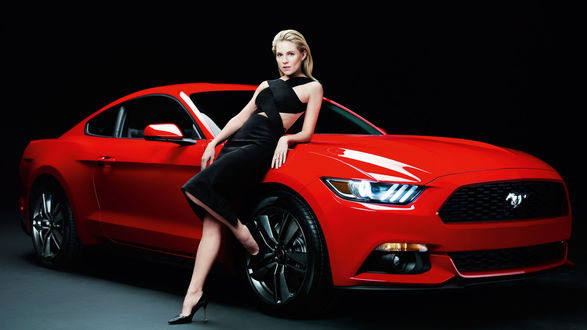 Обои Актриса Sienna Miller / Сиенна Миллер в рекламе Ford Mustang