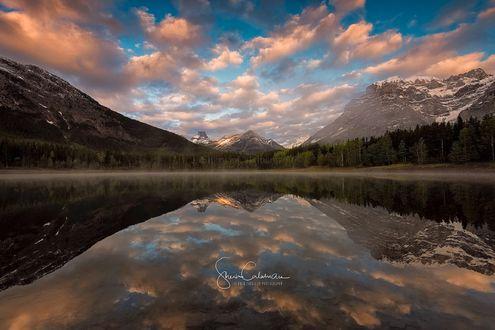Обои Wedge Pond Kananaskis, Alberta Canada / Клин пруд Кананаскисе, Альберта Канада, фотограф Sherwin Calaluan