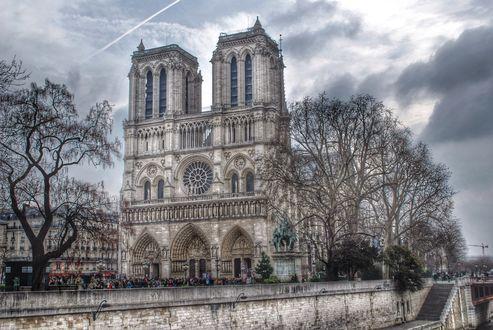 Обои Вид на Собор Парижской Богоматери. Париж, Франция