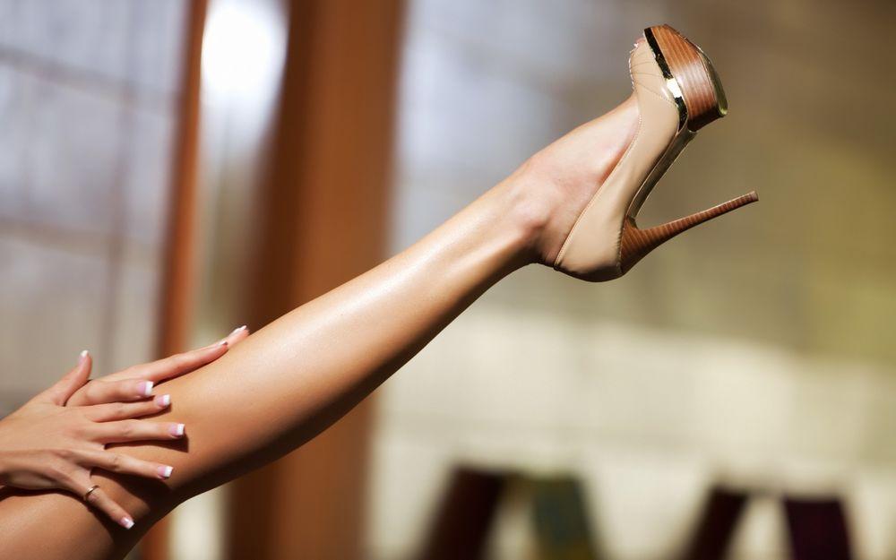 Фото женских длинных ножек